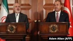 مولود چاوشاغلو، وزیر خارجه ترکیه و همتای ایرانیاش محمدجواد ظریف در آنکارا. امروز ۲۸ فروردین