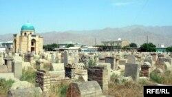 Кладбище в Худжанде, Таджикистан. Архивное фото.
