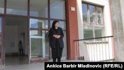 Milka Mileusnić ispred kolektivnog centra Strmica
