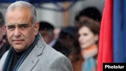 "Арманистондаги ""Мерос"" партияси лидери Раффи Ованнисян."