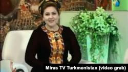 """Ведущая канала """"Мирас"""" государственного телевидения Туркменистана"""
