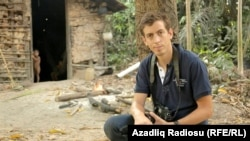French journalist Laurent Richard and his cameraman were briefly detained in Baku at the end of their reporting trip in May 2014 and their equipment was seized.