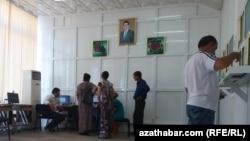 Интернет кафе в Туркменистане (иллюстративное фото)