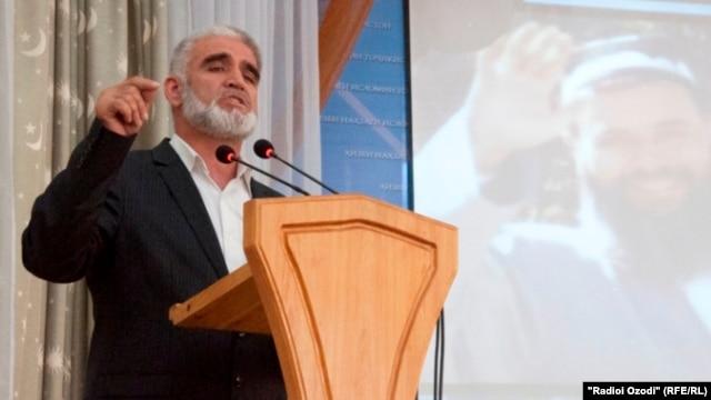 Former party member Saidumar Husaini is now in jail.