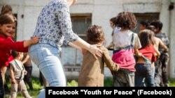 Пасхальне свято у ромському таборі. Київ. Facebook «Молодь за мир»