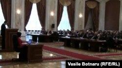 Влад Филат представляет в парламенте Молдавии новую программу правительства, 14 января 2011 г
