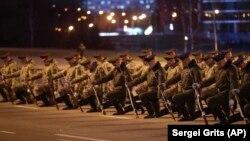 Рэпэтыцыя параду ў Менску 16 красавіка