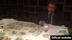 Задержание Никиты Белых по подозрению в получении взятки