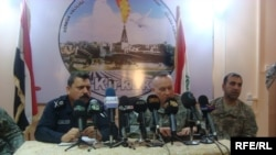 اللواء جمال طاهر والعقيد لاري سويفت
