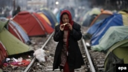 În tabăra pentru refugiați de la Idomeni, Macedonia, din apropierea graniței cu Grecia, 9 martie 2016