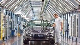ماشینآلات، ابزار مکانیکی، فرآوردههای دارویی و خودرو از اقلام مهم صادراتی آلمان به ایران هستند