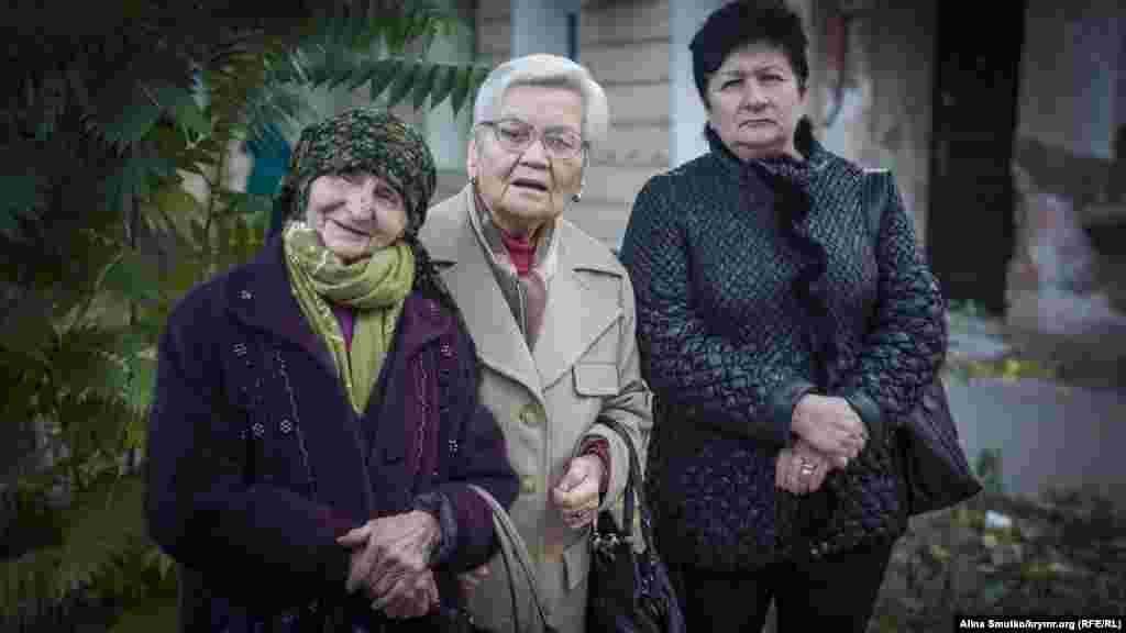 В местах депортации в Узбекистане семья Веджие Кашка проживала под Ташкентом. Со своим мужем Бекиром женщина включилась в национальное движение крымских татар в 1950-е годы, вместе с другими активистами она боролась за возвращение крымских татар на историческую родину – в Крым