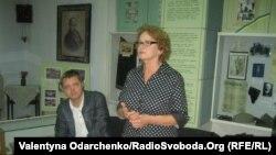 Алла Куц презентує книгу документів Бульби-Боровця, 13 вересня 2011 року