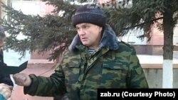 Полковник Палкин, объявивший голодовку у здания правительства Забайкалья