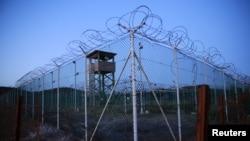 Фото периметру в'язниці Гуантанамо