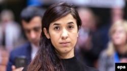 Езид белсенді әйелі Надиа Мурад Вацлав Гавел сыйлығын алу салтанатында. Страсбург, 10 қазан 2016 жыл.