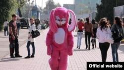 "Кадр из фильма ""Сказ о розовом зайце""."