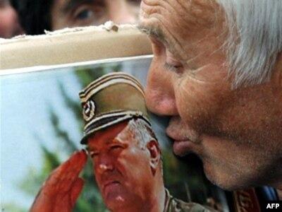 Beograđanka na skupu podrške Ratku Maldiću, maj 2008