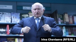 He's back! Moscow Mayor Yury Luzhkov
