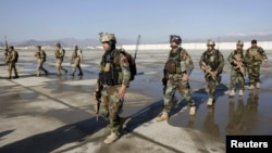 Афганські сили безпеки у Кундузі. 30 квітня 2015 року