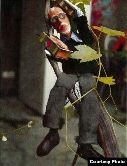 Кукла Дональда Рейфилда работы Резо Габриадзе