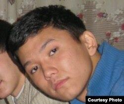 Рахимжан Махатов. Фото студенческих лет. Точная дата и место снимка неизвестны.