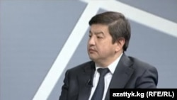 Parliament deputy Akylbek Japarov admits that some politicians may push for tax breaks to benefit their businesses.