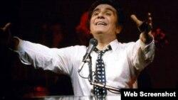 """ჟილბერ ბეკო, ფრანგი კომპოზიტორი, მომღერალი და არტისტი, რომელსაც ტემპერამენტული სცენიური ქცევის გამო """"მესიე ასი ათასი ვოლტი"""" უწოდეს"""