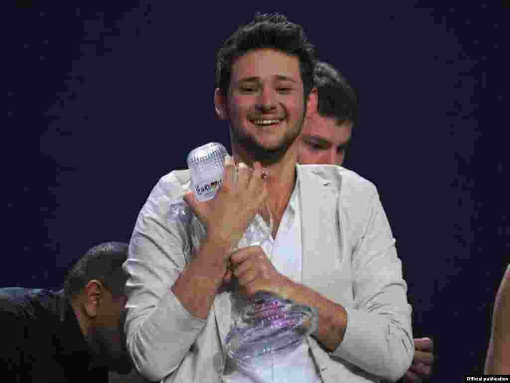نگار جمال و الدار قاسماف از جمهوری آذربایجان، به مقام نخست این مسابقات رسید.