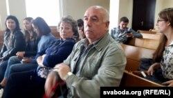 Вядомы ў мінулым футбаліст Анатоль Багавік прыйшоў у суд падтрымаць сына
