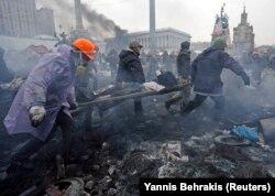 Раненый во время стрельбы на Евромайдане 20 февраля 2014 года