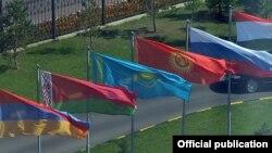Флаги государств — членов Организации Договора о коллективной безопасности (ОДКБ).