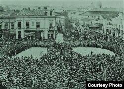 Piața Unirii din Iași, anii 1916-1918 (Foto: Vol. I. Țurcanu, M. Papuc, Basarabia în actul Marii Uniri de la 1918)