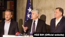 Politička retorika u BiH u drugi plan je stavila evroatlantske integracije u Bosni i Hercegovini (na fotografiji lideri vodećih nacionalnih stranaka u BiH, Bakir Izetbegović, Dragan Čović i Milorad Dodik)