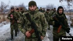 Бойовики чеченського батальйону «Смерть» на Донбасі визнають, що вони – російські солдати й офіцери спецслужб, але називають себе «добровольцями». Донеччина, грудень 2014 року
