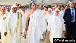 Сауд Арабия -- Эмомали Рахмон жубайы менен умрада, 4-январь, 2016.