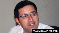 Таджикский адвокат Бузургмехр Ёров.