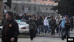 Архивска фотографија: Насилни протести во Скопје по петкратнопто убиство во Смиљковци.