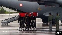 Погребот на 24 - те војници што загинаа при нападот на Курдите