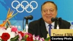 Халықаралық ауыр атлетика федерациясының президенті Тамаш Аян. Пекин, 2008 жыл. Сурет Пекин олимпиадасының ресми сайтынан алынған.