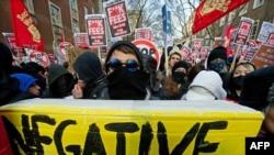 Ուսանողների բողոքի ցույցը Լոնդոնի համալսարանի մոտ, 9-ը դեկտեմբերի, 2010թ.