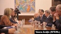 Predsednik Srbije Aleksandar Vučić u razgovoru sa predsedavajućim delegacije Evropskog parlamenta pri Parlamentarnom odboru za stabilizaciju i pridruživanje EU Eduardom Kukanom, Beograd