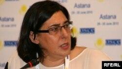 Виржиния Куллудон - ЕККУнун расмий өкүлү