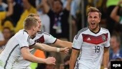 Марио Гетце (оң жақта) соққан гол Германия командасына жеңіс әкелді. «Маракана» стадионы, Рио-де-Жанейро, Бразилия, 13 шілде 2014 жыл.