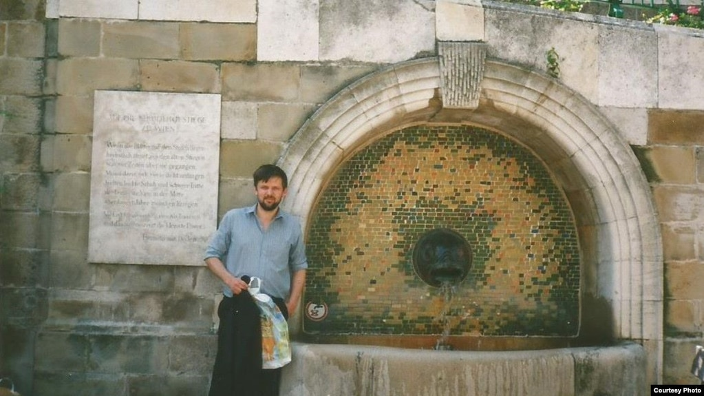 Ян Максімюк на Штрудльгофскіх сходах у Вене, 1995
