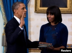 Барак Обама присягает 20 января. Мишель опять рядом