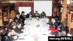کابل کې د افغانستان او پاکستان خبریالانو یوه غونډه. ۲۰۱۵م کال