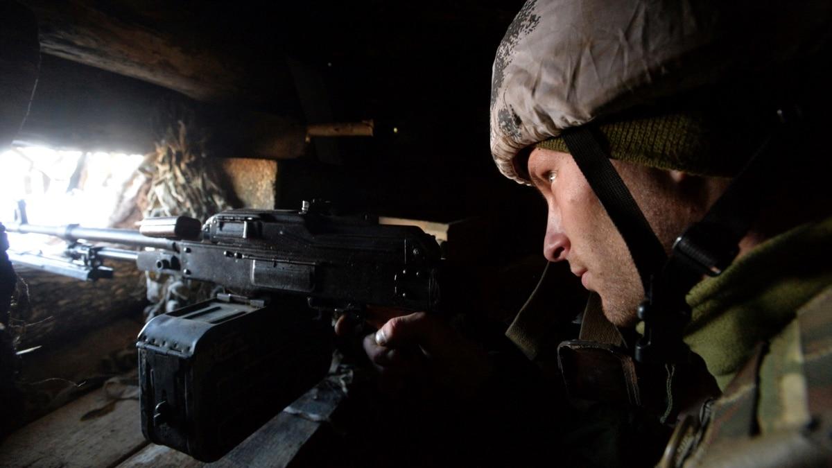 На Донбассе 12 марта был ранен один украинский военный – штаб