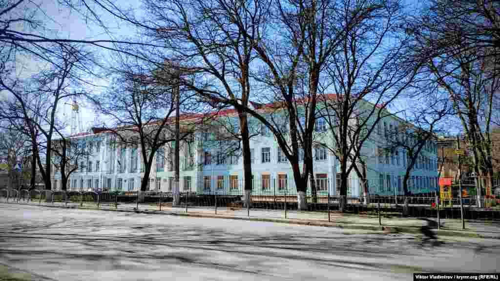 Будівля середньої загальноосвітньої школи №14