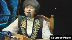 Айтыс ақыны Жансая Мусина. Шымкент, 15 наурыз 2013 жыл.
